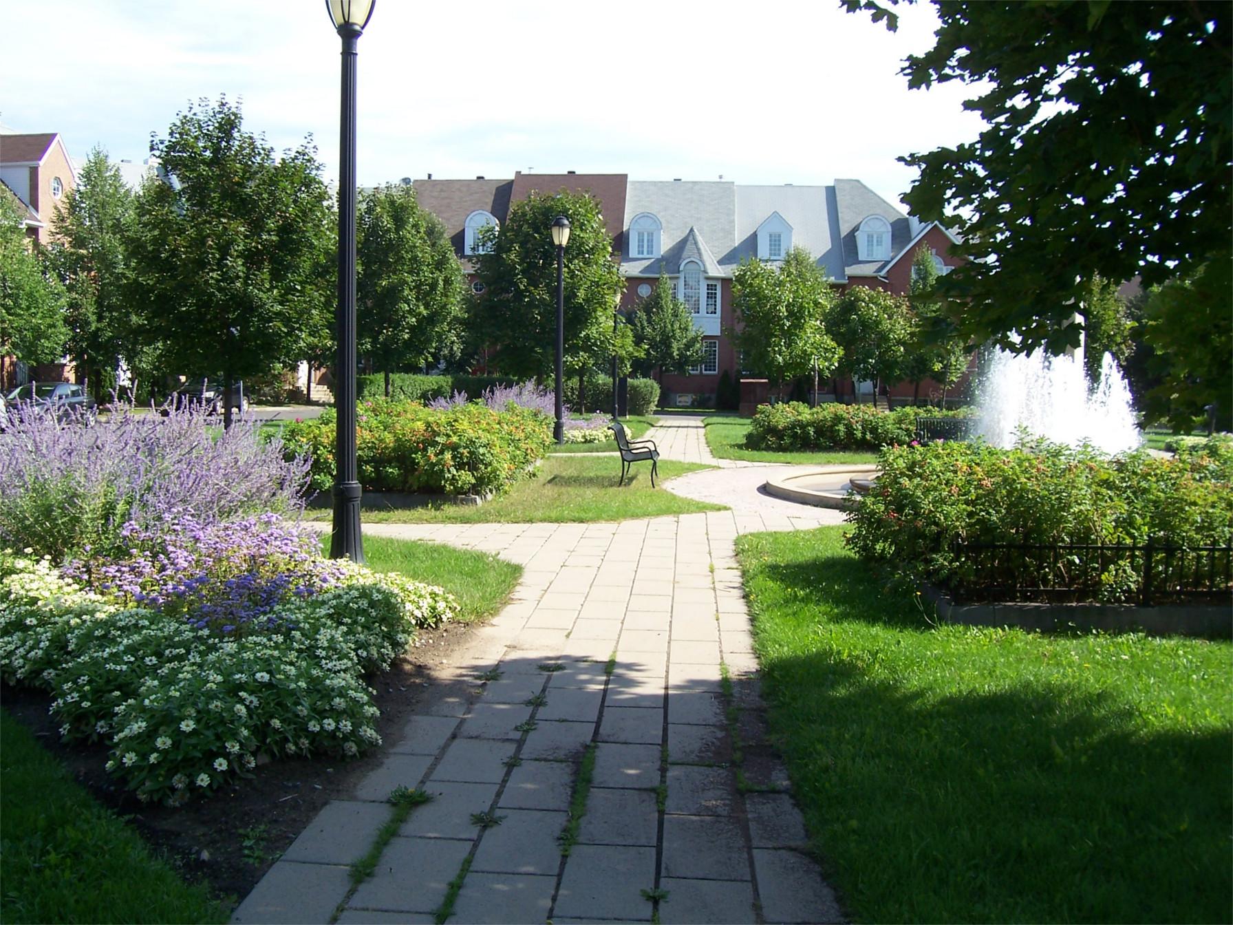 entretien de terrain entretien de pelouse commercial plateaux sportifs municipaux terrains de. Black Bedroom Furniture Sets. Home Design Ideas